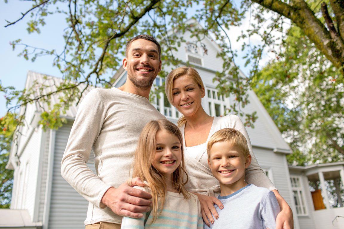 homeowners insurance - happy family